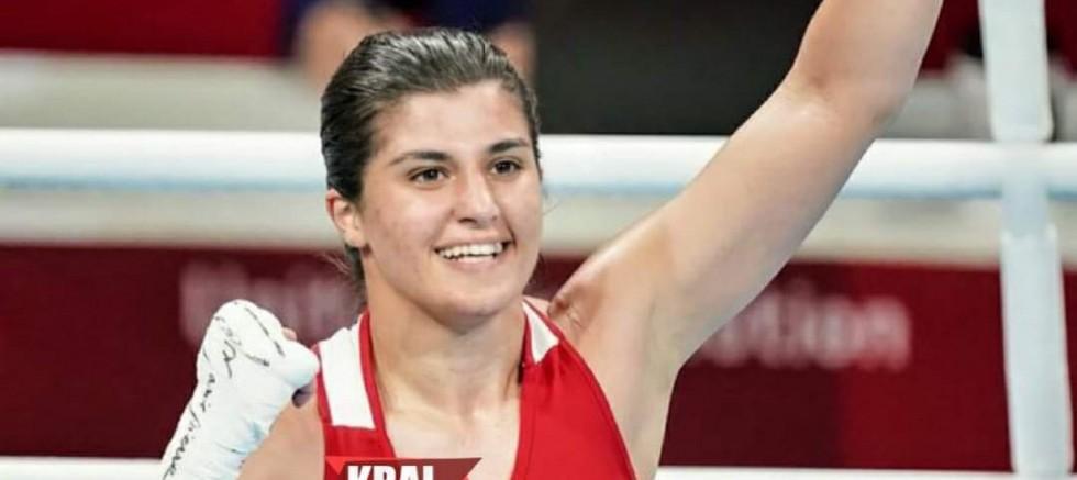 Busenaz Sürmeneli olimpiyat şampiyonu.